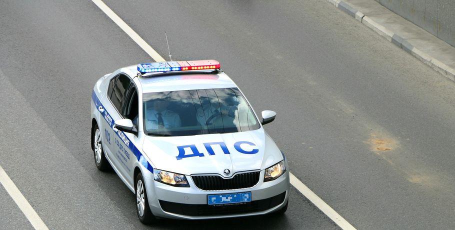 Омская полиция выложила видео погони за пьяным водителем без документов в автомобиле без знаков